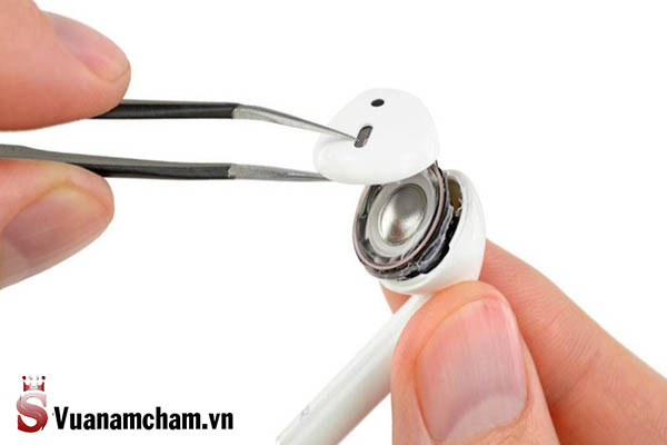 Sửa tai nghe do hỏng loa